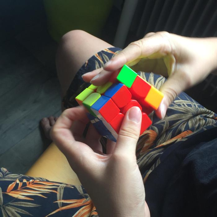 dysgraphique et fan de rubik's cube