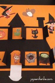 Maison à fenêtres pour Halloween