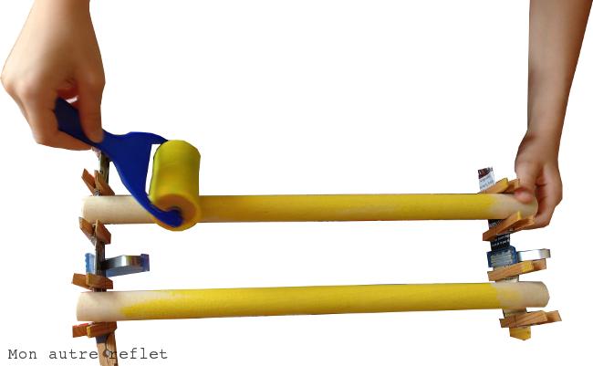 Peindre les barres du chocalho instrument brésilien